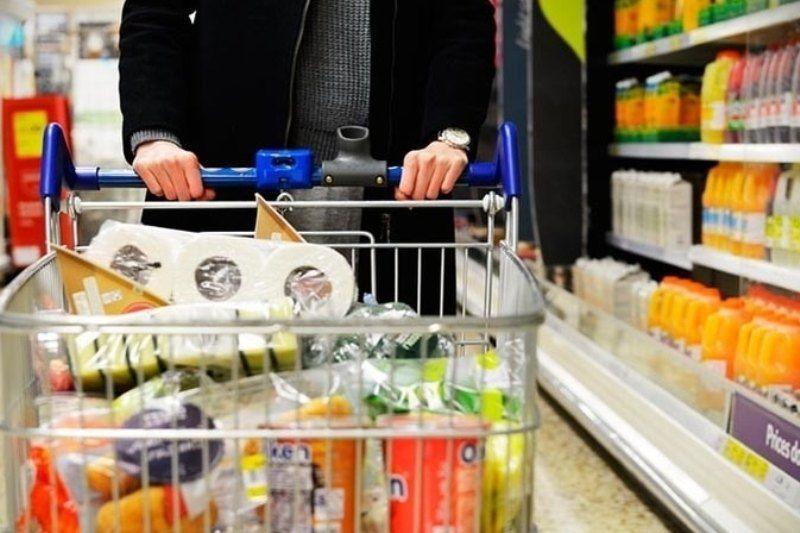 بسته حمایتی دولت آذر ماه توزیع می شود