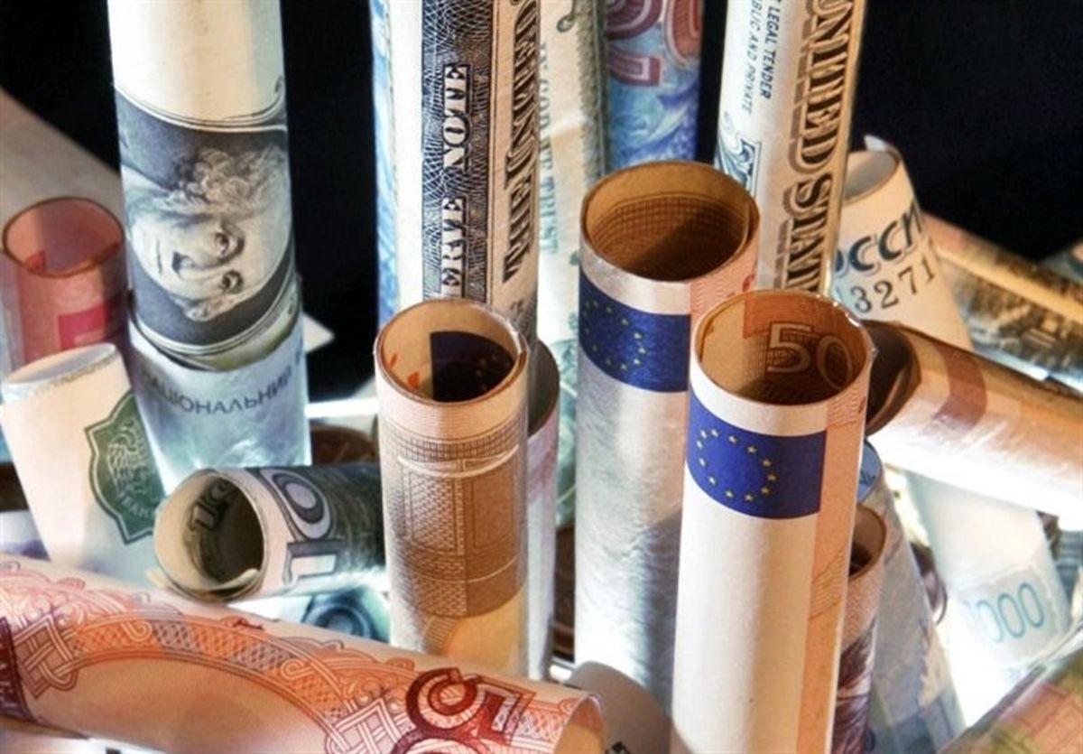 قیمت دلار و قیمت یورو در صرافیهای بانکی امروز ۹۹/۰۴/۱۱ یورو ثابت ماند/ دلار ارزان شد