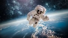 رییس پژوهشگاه هوافضا: ایران در سال ۱۴۱۰ انسان به فضا اعزام میکند