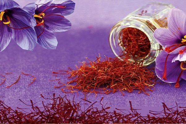 کاهش ۹۰۰ دلاری ارزش زعفران ایرانی طی دو سال گذشته