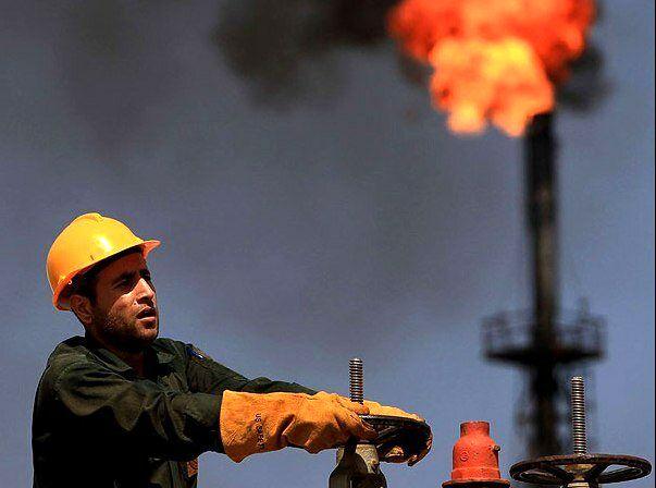 خارج کردن دلارهای نفتی از بودجه به نفع کارگران است