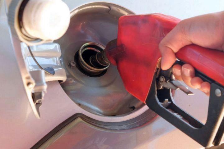 سعدوندی در گفت و گو مطرح کرد: افزایش نرخ بنزین تاثیری درقاچاق بنزین ندارد