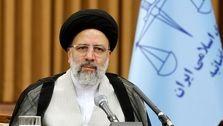 رئیسی: به آقای روحانی اطلاع دادم که افزایش قیمت سوخت مشکلاتی را ایجاد میکند
