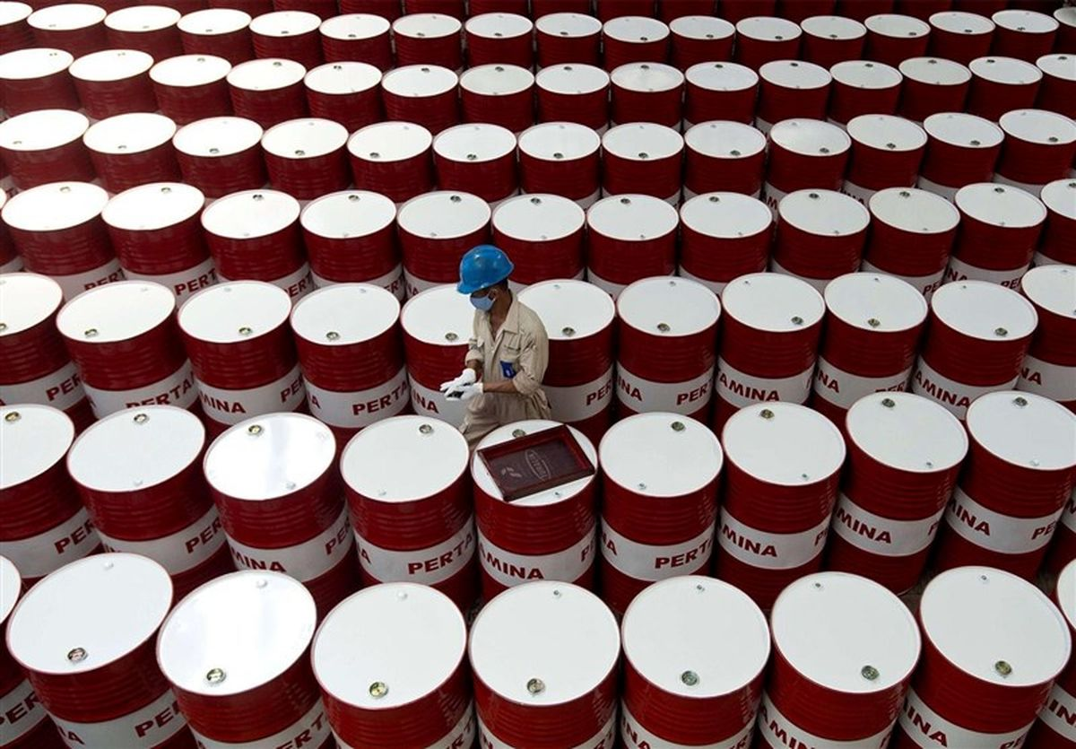 قیمت جهانی نفت امروز ۹۹/۱۱/۲۵