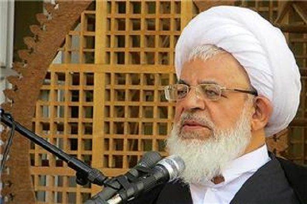دلیل تحریم ها از نگاه امام جمعه یزد: سرگرم بودن مردم به مسائل اقتصادی