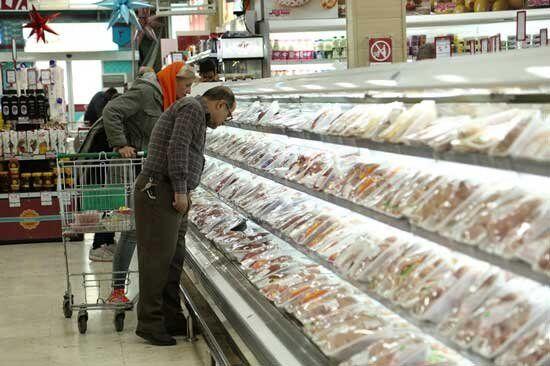 هشدار به فروشگاههای زنجیرهای درباره گران فروشی مرغ