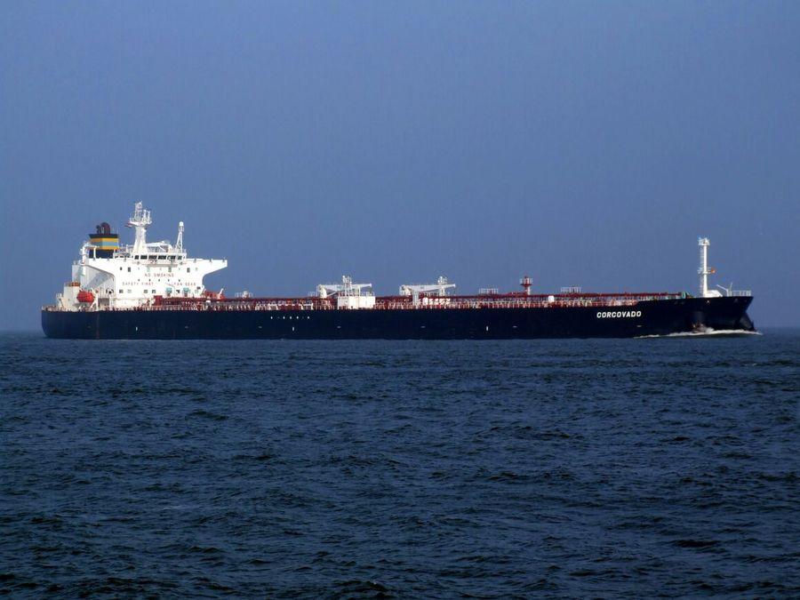 به دنبال تحریم های آمریکا، ۳۰۰ نفتکش بیکار شدند