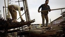 فعال کارگری: اعضای خانواده چهار نفری کارگری با ۲۰ دلار در ماه زندگی میکنند