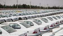 قیمت خودرو همچنان رو به کاهش با شیب کم