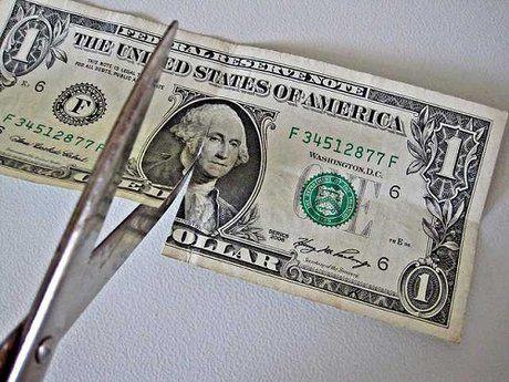 تداوم روند کاهش سهم دلار از ذخایر ارزی جهان