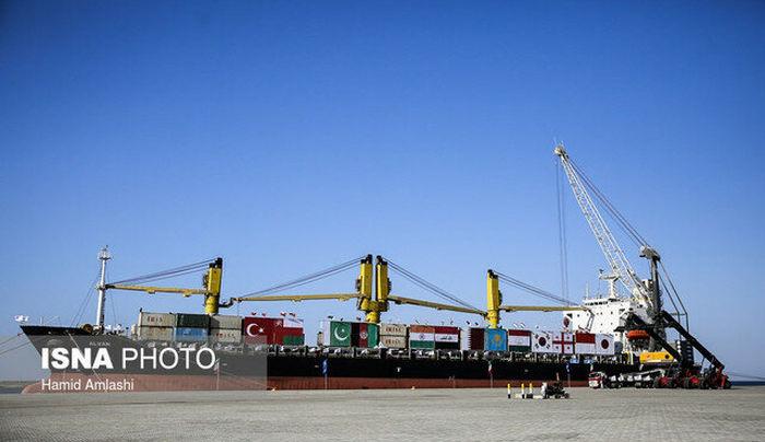 نخستین محموله بزرگ صادراتی از بندر شهید بهشتی چابهار صادر شد
