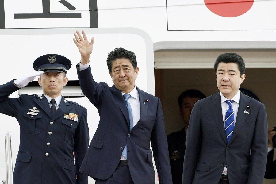 هواپیمای آبه از توکیو بلند شد